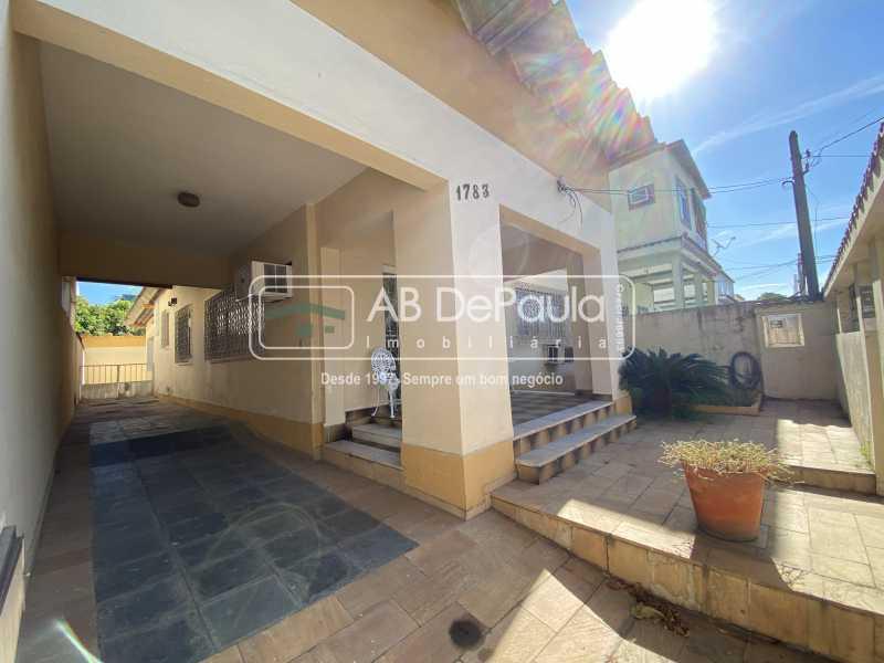 GARAGEM - REALENGO - Excelente CASA LINEAR com amplo terreno. Composta por: ampla sala, 03 dormitórios - ABCA30140 - 3