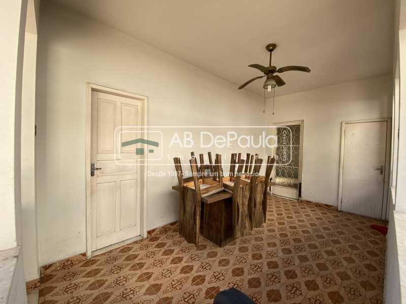 COPA - REALENGO - Excelente CASA LINEAR com amplo terreno. Composta por: ampla sala, 03 dormitórios - ABCA30140 - 21