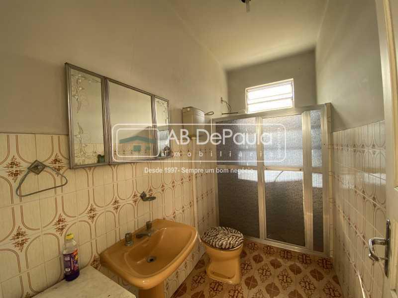 BANHEIRO DE SERVIÇO - REALENGO - Excelente CASA LINEAR com amplo terreno. Composta por: ampla sala, 03 dormitórios - ABCA30140 - 22