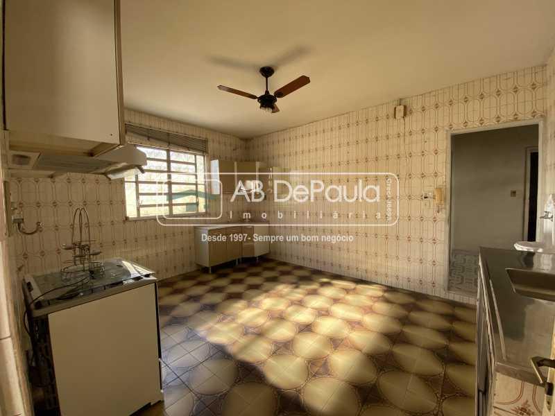 COPA-COZINHA - REALENGO - Excelente CASA LINEAR com amplo terreno. Composta por: ampla sala, 03 dormitórios - ABCA30140 - 19