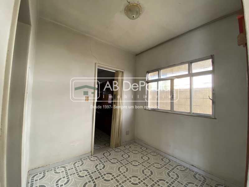 CIRCULAÇÃO - REALENGO - Excelente CASA LINEAR com amplo terreno. Composta por: ampla sala, 03 dormitórios - ABCA30140 - 14