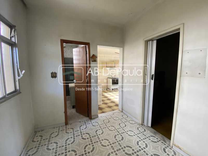CIRCULAÇÃO - REALENGO - Excelente CASA LINEAR com amplo terreno. Composta por: ampla sala, 03 dormitórios - ABCA30140 - 13