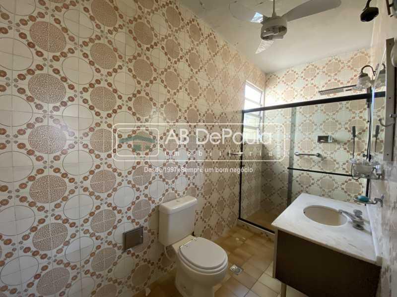 BANHEIRO SUÍTE - REALENGO - Excelente CASA LINEAR com amplo terreno. Composta por: ampla sala, 03 dormitórios - ABCA30140 - 11