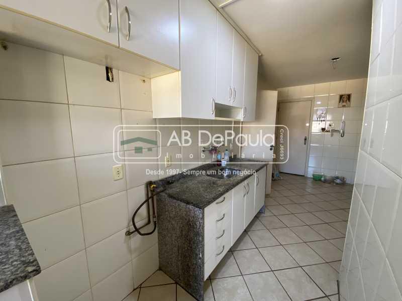 COZINHA - VILA VALQUEIRE - Excelente Apartamento com 86m², JUNTINHO A PRAÇA SAIQUI - ABAP20597 - 17