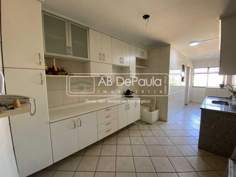 COZINHA - VILA VALQUEIRE - Excelente Apartamento com 86m², JUNTINHO A PRAÇA SAIQUI - ABAP20597 - 15