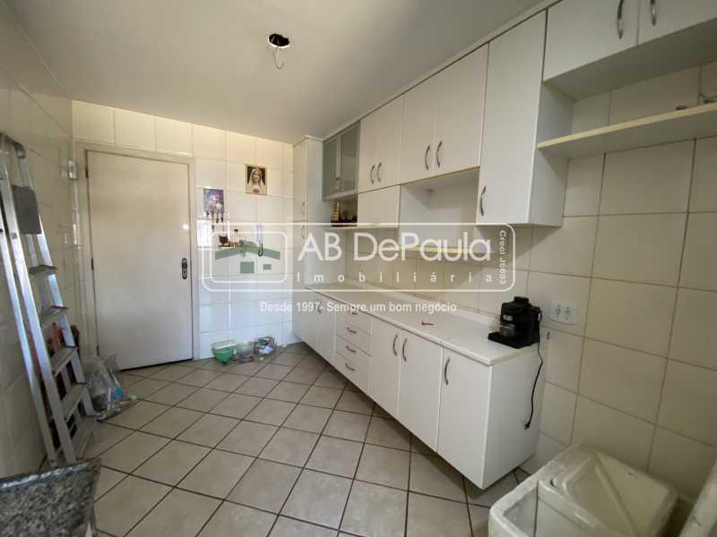 COZINHA - VILA VALQUEIRE - Excelente Apartamento com 86m², JUNTINHO A PRAÇA SAIQUI - ABAP20597 - 16