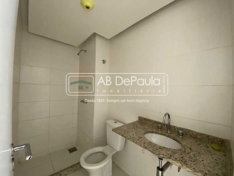 BANHEIRO SOCIAL - VILA VALQUEIRE - Linda Cobertura Duplex. Composta de 3 Quartos, sendo 2 suítes - ABCO30001 - 13