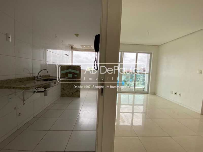 COZINHA E SALA - VILA VALQUEIRE - Linda Cobertura Duplex. Composta de 3 Quartos, sendo 2 suítes - ABCO30001 - 8