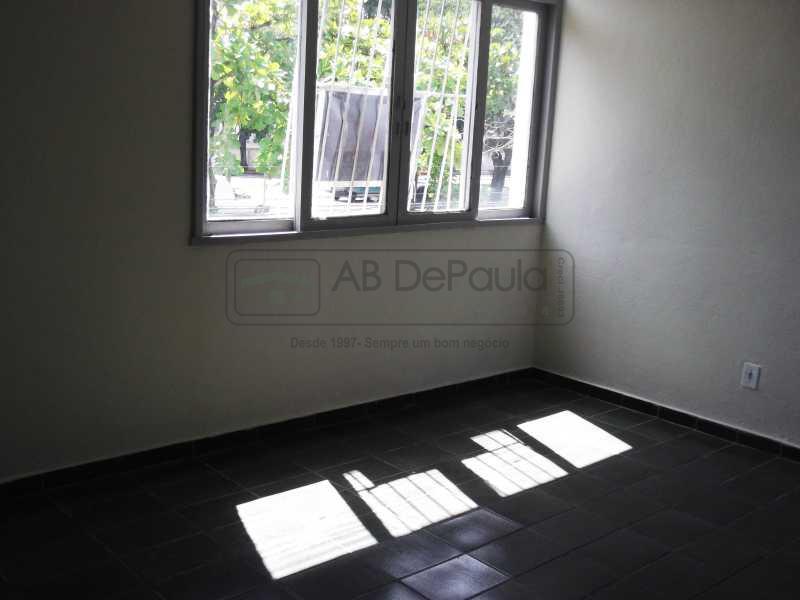 DSCF3102 - SULACAP - Alugo Apartamento em local privilegiado do bairro, junto a Igreja Católica N. S. da Assunção. - ABAP20130 - 3