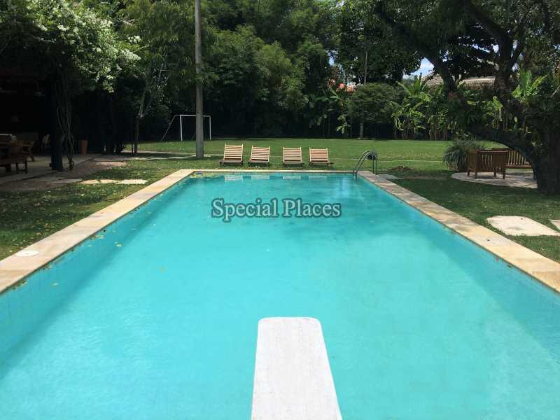 16 piscina 02