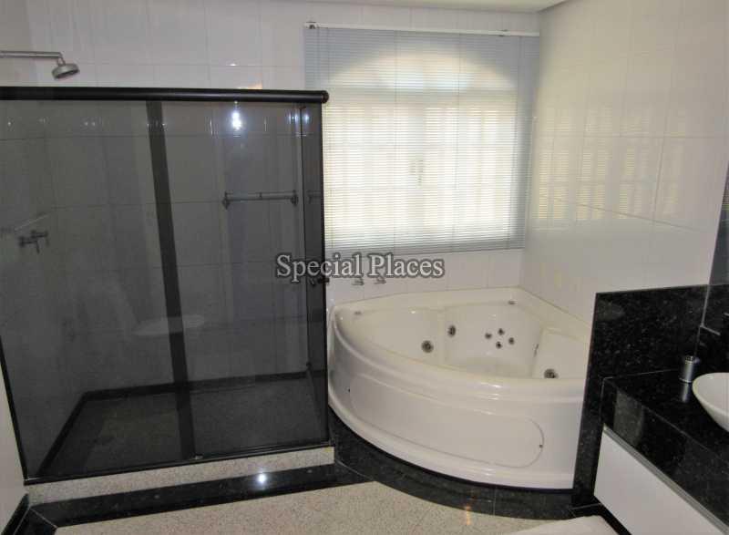 16 banheiro suite 1