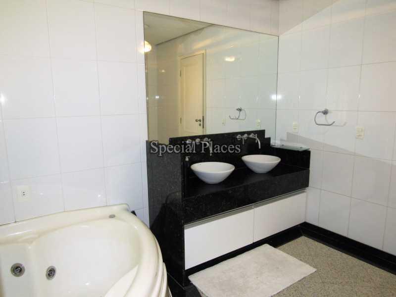 17 banheiro suite 2