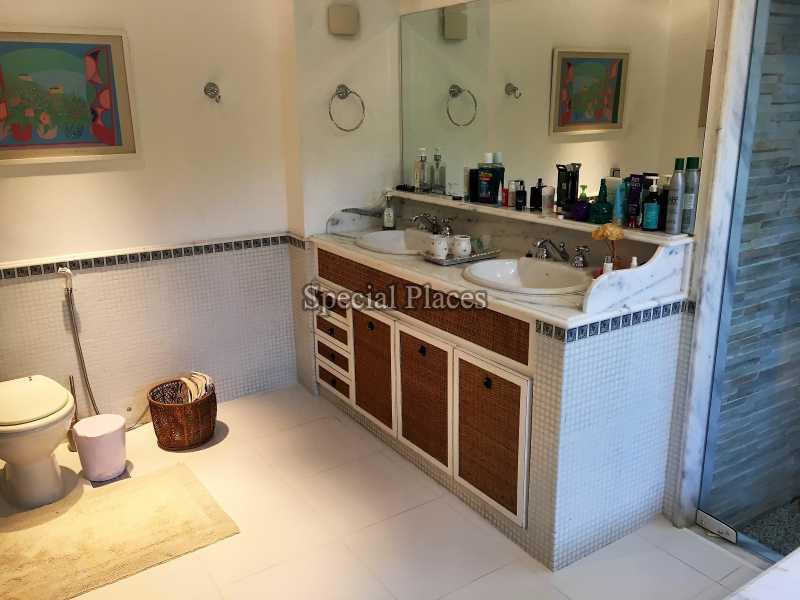 22 banheiro suite master