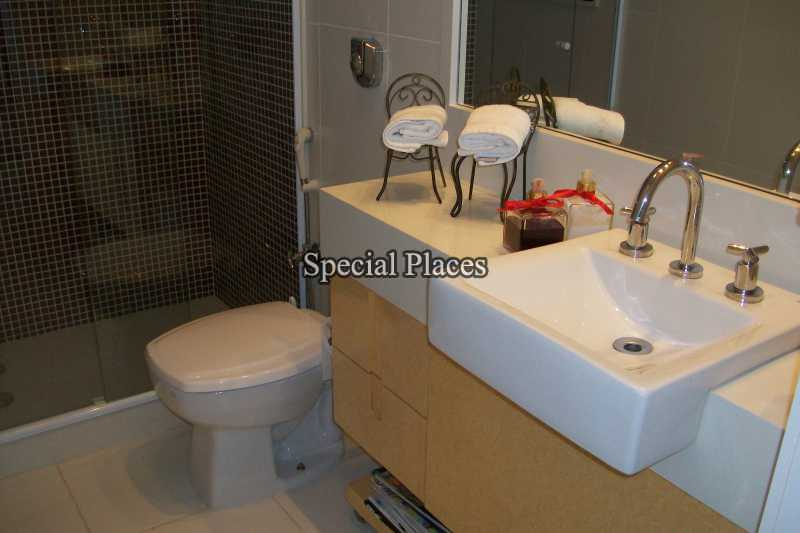 13 - banheiro suite terrea
