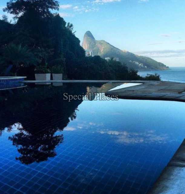 29 vista piscina infinita