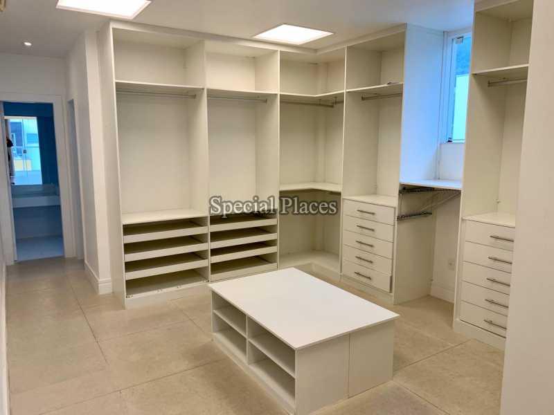 16 closet suite master