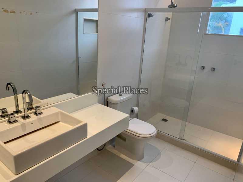 18 banheiro suite master