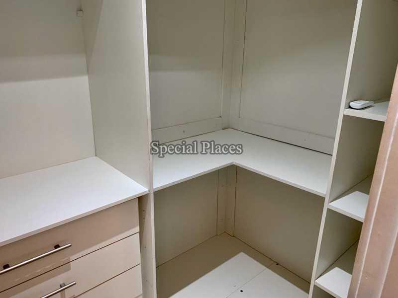 20 closet suite II