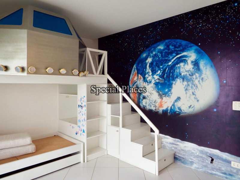 13 suite I