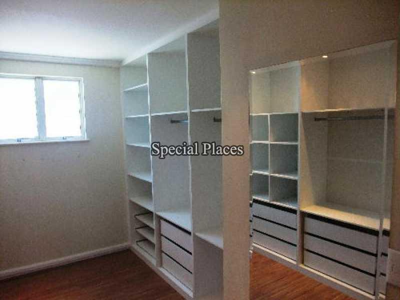 11 closet suite