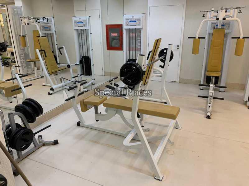 26 sala de musculação