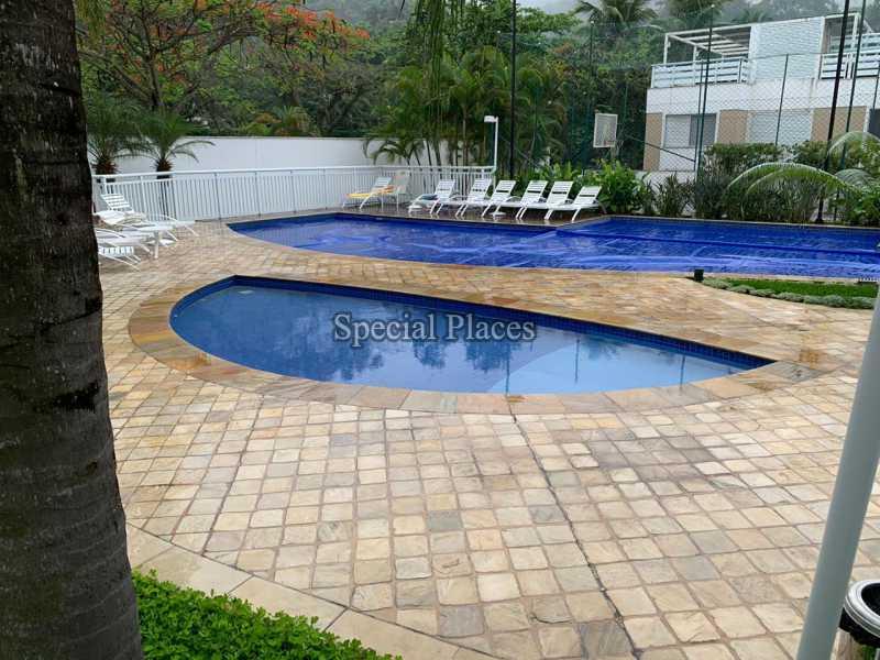 30 piscina do condomínio