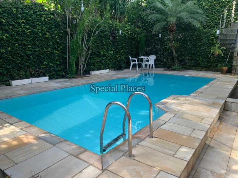 22 piscina