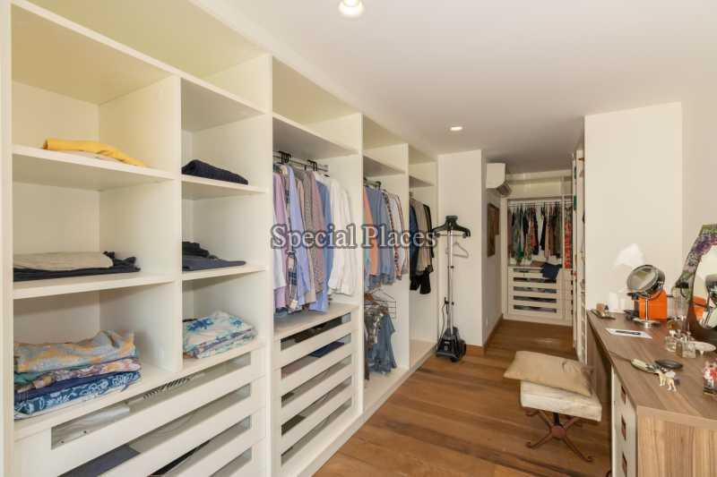 21 closet