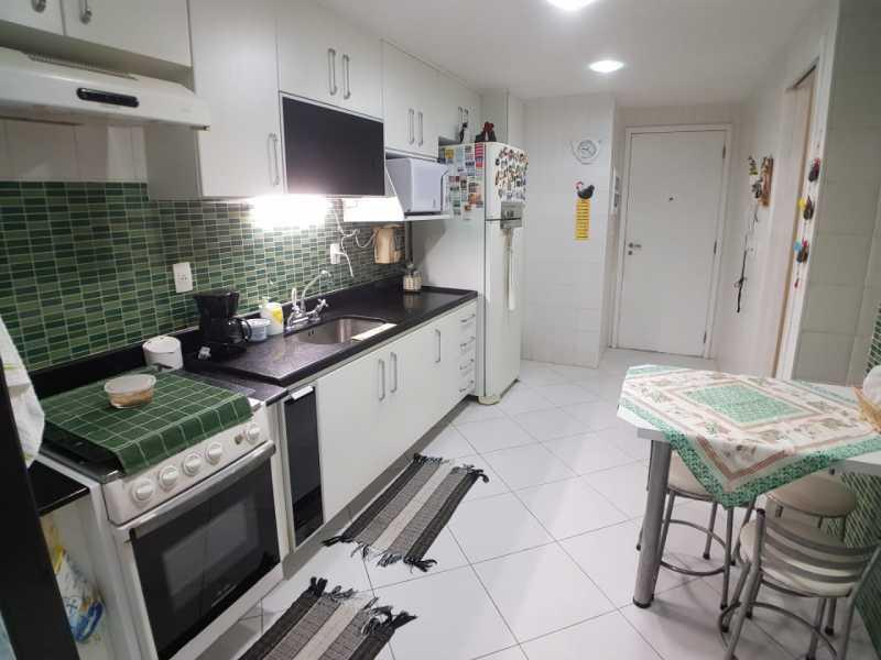 7 - COZINHA. - Apartamento Barra da Tijuca,Rio de Janeiro,RJ À Venda,3 Quartos,119m² - FRAP30548 - 8