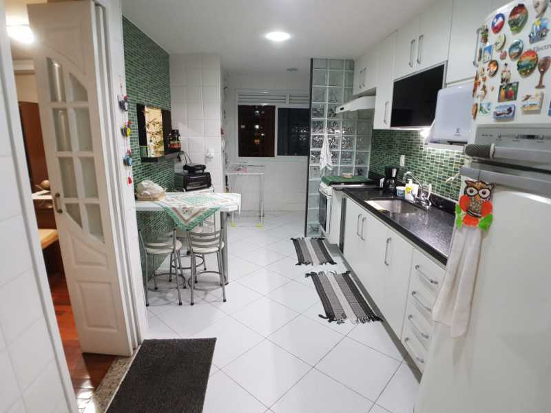 8 - COZINHA. - Apartamento Barra da Tijuca,Rio de Janeiro,RJ À Venda,3 Quartos,119m² - FRAP30548 - 9