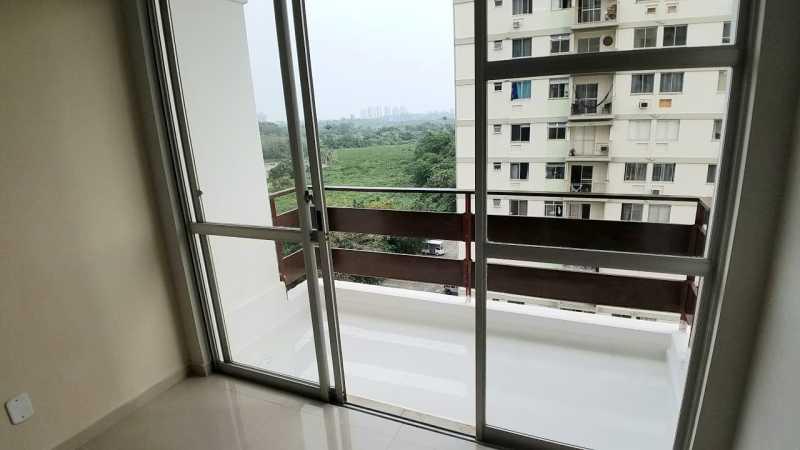 2 - VARANDA. - Apartamento 2 quartos à venda Itanhangá, Rio de Janeiro - R$ 190.000 - FRAP21468 - 3