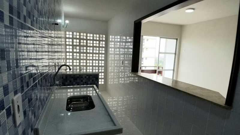 15 - COZINHA. - Apartamento 2 quartos à venda Itanhangá, Rio de Janeiro - R$ 190.000 - FRAP21468 - 16
