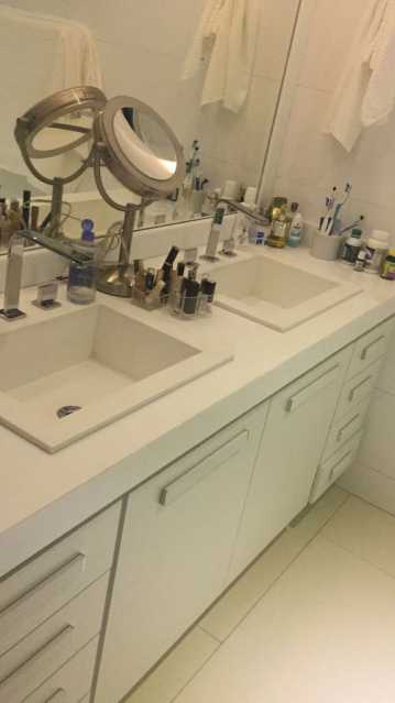 PHOTO-2018-07-06-09-45-29_1 - Casa em Condomínio 3 quartos à venda Anil, Rio de Janeiro - R$ 1.900.000 - FRCN30112 - 15