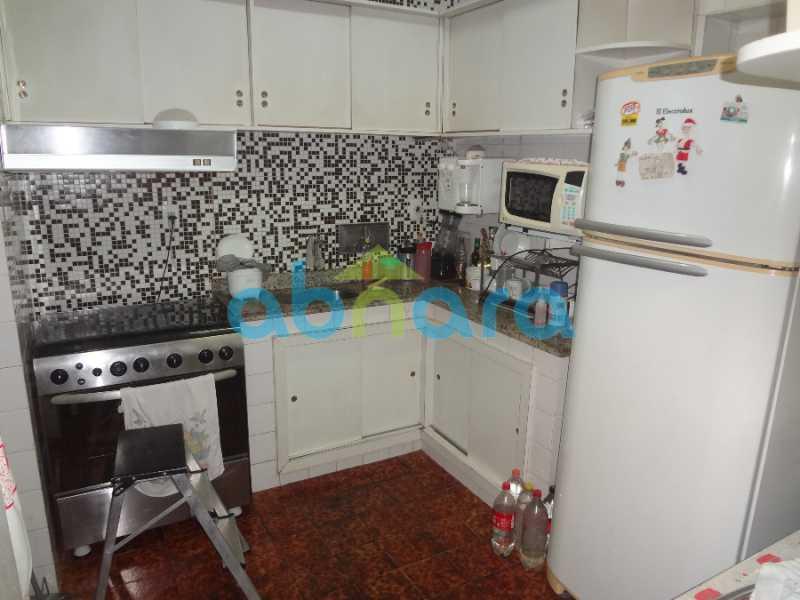 13 - Casa duplex , condomínio fechado em Copacabana. 150 m2, 3 quartos, 2 banheiros, cozinha, área de serviço com banheiro, varanda. 1 Vaga - CPCN30004 - 8