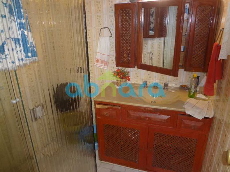 17 - Casa duplex , condomínio fechado em Copacabana. 150 m2, 3 quartos, 2 banheiros, cozinha, área de serviço com banheiro, varanda. 1 Vaga - CPCN30004 - 10