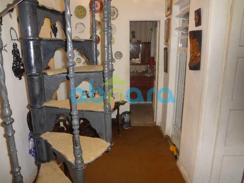 45 - Casa duplex , condomínio fechado em Copacabana. 150 m2, 3 quartos, 2 banheiros, cozinha, área de serviço com banheiro, varanda. 1 Vaga - CPCN30004 - 26