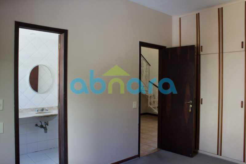 foto 16 - Casa triplex de vila, com 4 quartos sendo 2 suítes, 2 vagas, churrasqueira e piscina, em rua tranquila de Botafogo. - CPCA40025 - 7