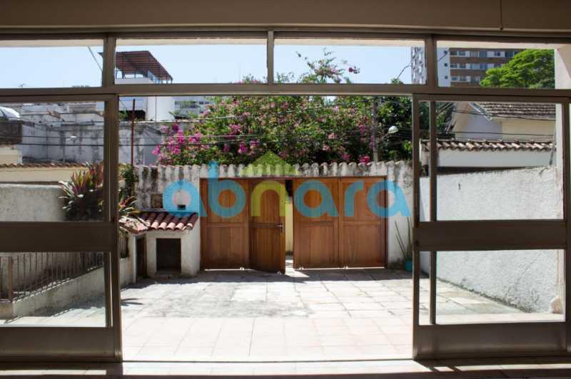foto 13 - Casa triplex de vila, com 4 quartos sendo 2 suítes, 2 vagas, churrasqueira e piscina, em rua tranquila de Botafogo. - CPCA40025 - 1