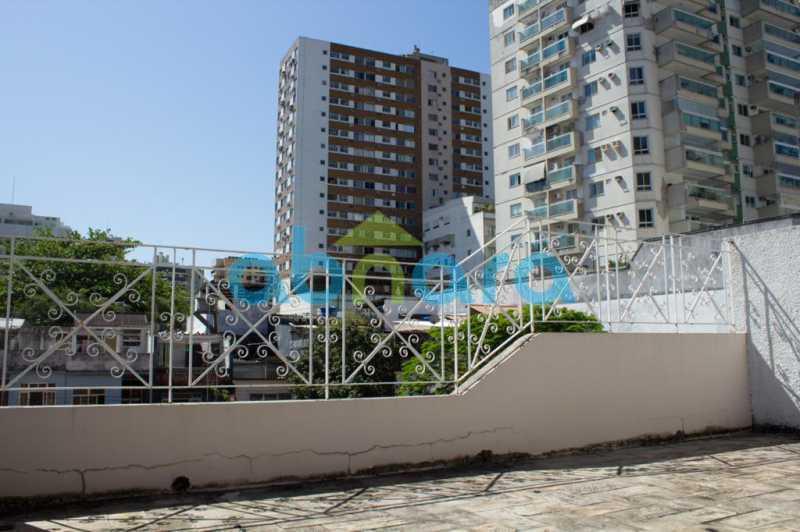 foto 8 - Casa triplex de vila, com 4 quartos sendo 2 suítes, 2 vagas, churrasqueira e piscina, em rua tranquila de Botafogo. - CPCA40025 - 16