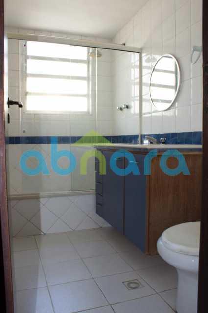 foto 7 - Casa triplex de vila, com 4 quartos sendo 2 suítes, 2 vagas, churrasqueira e piscina, em rua tranquila de Botafogo. - CPCA40025 - 21
