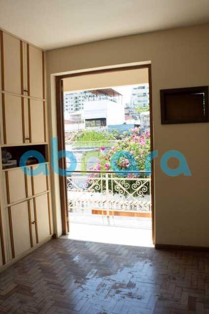 foto 1 - Casa triplex de vila, com 4 quartos sendo 2 suítes, 2 vagas, churrasqueira e piscina, em rua tranquila de Botafogo. - CPCA40025 - 14