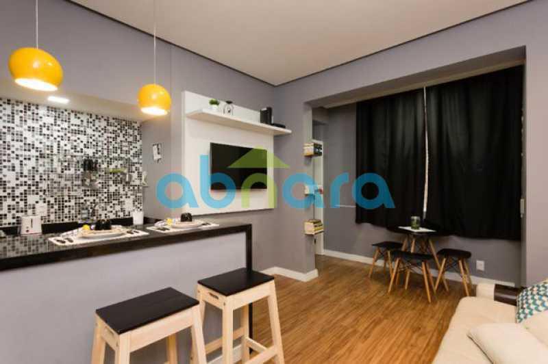foto 3 - Excelente quarto e sala totalmente reformado em rua tranquila e arborizada de Copacabana, próximo a praia e ao metrô. - CPAP10323 - 1
