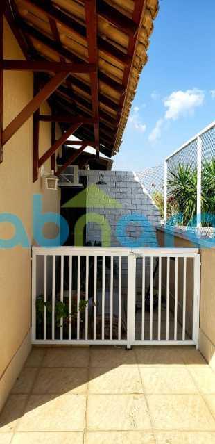 WhatsApp Image 2020-05-17 at 1 - Cobertura duplex na Taquara, com 169 m2. 4 quartos, 1 suite, salão em dois ambientes, cozinha planejada, dependências completas, varanda, 2 vagas na escritura - CPCO40074 - 17