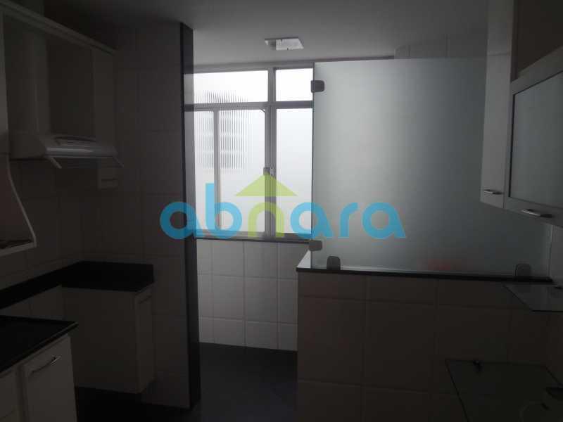 004 - Sala, 2 quartos sendo 1 suite, com vaga no Flamengo. 74 m2. Reformadíssimo, entrar e morar. - CPAP20545 - 25