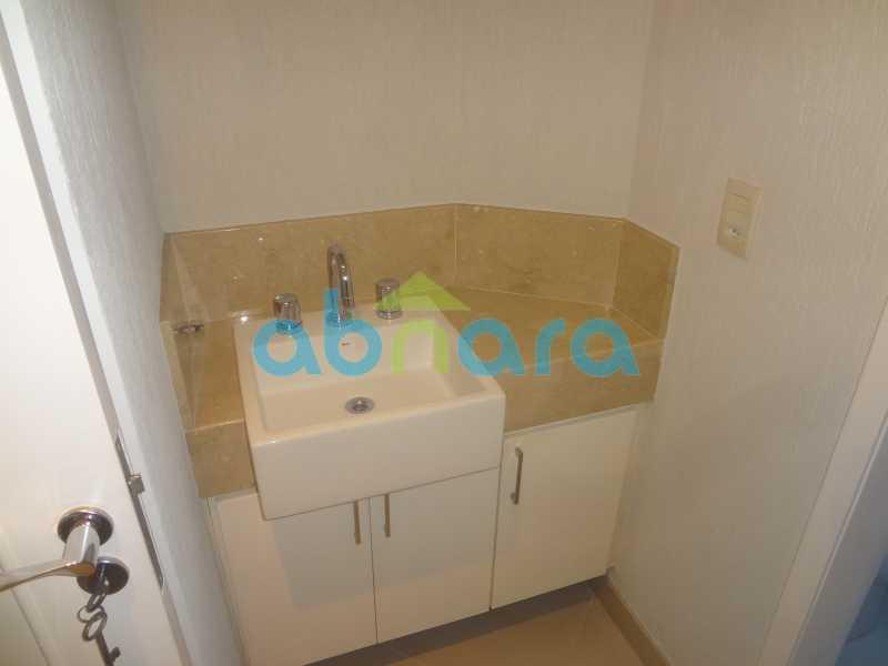 017 - Sala, 2 quartos sendo 1 suite, com vaga no Flamengo. 74 m2. Reformadíssimo, entrar e morar. - CPAP20545 - 16