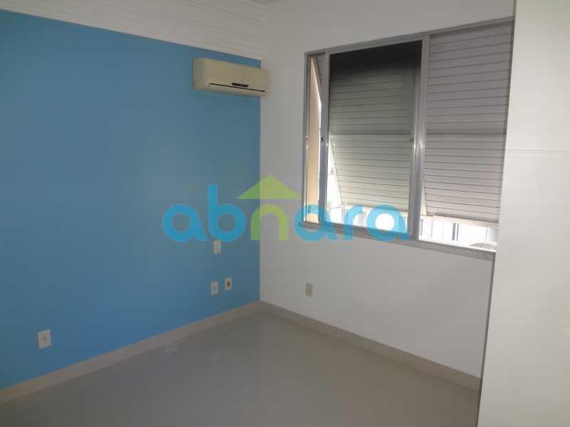 021 - Sala, 2 quartos sendo 1 suite, com vaga no Flamengo. 74 m2. Reformadíssimo, entrar e morar. - CPAP20545 - 13