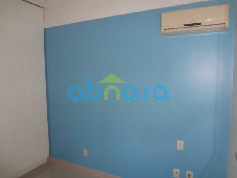 023 - Sala, 2 quartos sendo 1 suite, com vaga no Flamengo. 74 m2. Reformadíssimo, entrar e morar. - CPAP20545 - 12