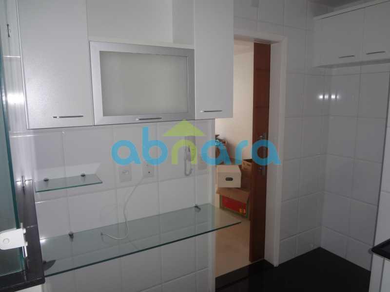 030 - Sala, 2 quartos sendo 1 suite, com vaga no Flamengo. 74 m2. Reformadíssimo, entrar e morar. - CPAP20545 - 21