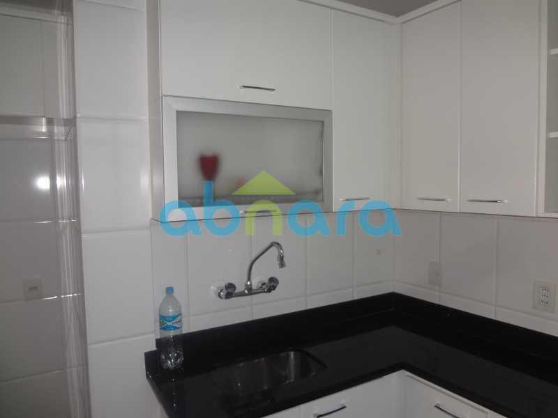 032 - Sala, 2 quartos sendo 1 suite, com vaga no Flamengo. 74 m2. Reformadíssimo, entrar e morar. - CPAP20545 - 22