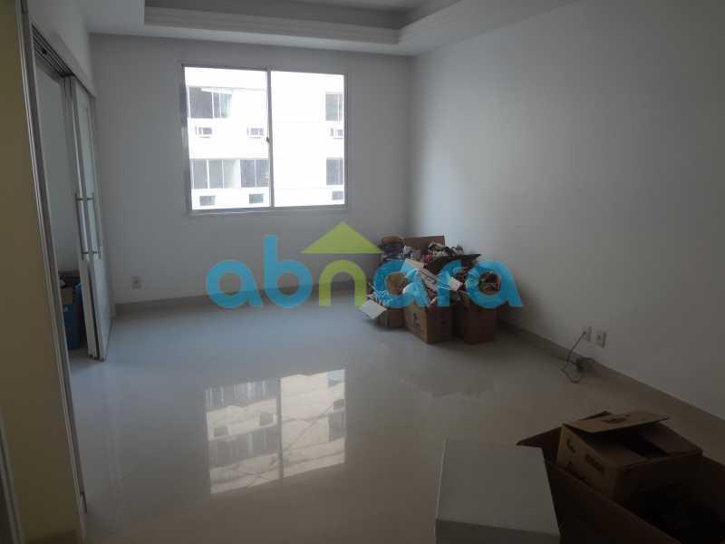 033 - Sala, 2 quartos sendo 1 suite, com vaga no Flamengo. 74 m2. Reformadíssimo, entrar e morar. - CPAP20545 - 3